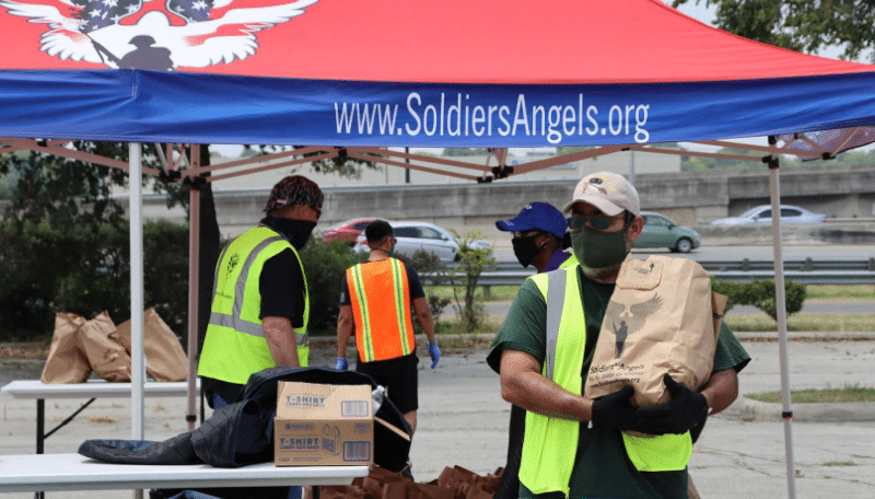 Volunteer to Feed San Antonio Veterans